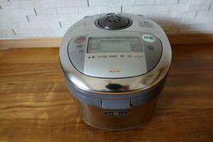 【送料無料!!】TOSHIBA IH炊飯器 RCK-10Y 鍛造5mm厚釜 5.5合炊き 点字付き