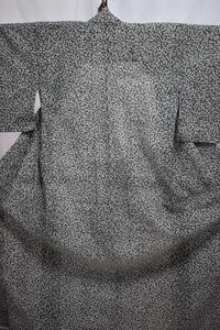 小柄な人用 夏着物 化繊 小紋 バチ衿 単衣 灰色・白 身丈142cm 中古 k91★喜香★