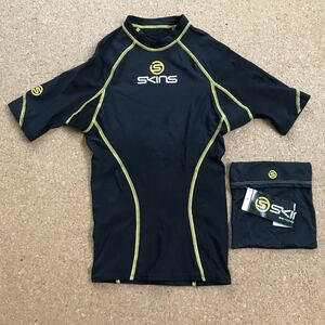 SKINS スキンズ コンプレッションインナー スポーツシャツ インナー アンダー XSサイズ 黒 インナーシャツ コンプレッション