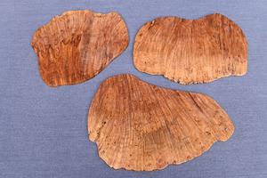 NM244 新品工房品 希少 伐採禁止 本花梨 瘤 玉杢 縮杢 一枚板 花台 飾り台 敷板 盆栽台 敷台 3枚セット