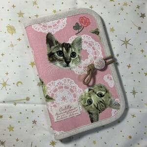 ハンドメイド♪ マルチケース 綿麻猫とドイリーレース柄ピンク 母子手帳ケースお薬手帳ケース通帳ケース
