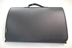 サンワサプライ MacBook低反発ケース(15.4インチワイド・ブラック)IN-FMAC15BK 衝撃吸収効果に優れたMacBook用インナーケース。