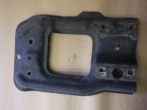 r331-34-80-4 ★ 三菱 ふそう スーパーグレート バンパー ステー 右側 運転席側 KL-FP54JDR