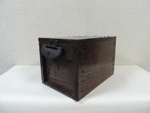 栗無垢 古い銭函 銭箱 太鼓鋲 時代箪笥 和家具 時代物 アンティーク 鍵付き 小物入れ 置物