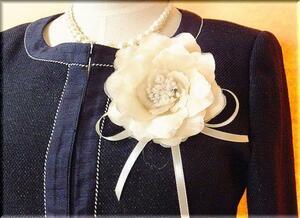 ◆ラスト1点! コサージュ 高貴なシルク 入学式 結婚式 セレモニーに