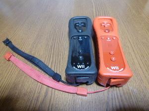 RSJ70【送料無料 即日配送 動作確認済】Wii リモコン  モーションプラス ジャケット ストラップ  2個セット ブラック レッド