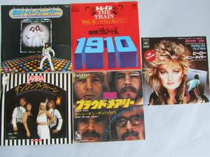 中古EPレコード盤 5枚 身体がゆすぶられるダンス音楽 「恋のナイトフィーバー」「ダンシング・クィーン」「ヒーロー」他