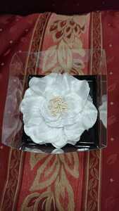 ★ブローチ★髪飾り★コサージュ ★入学式 ★卒業式 ★結婚式★12cm 白 お花 ドレス付属品 パーティー