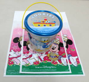 ☆ 東京ディズニーリゾート ドナルドダックのクッキー缶+2005年クリスマスのビニール袋2枚分 TOKYO Disney RESORT Donald Duck ☆