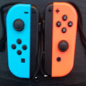 Nintendo Switch ジョイコン ネオンレッド ネオンブルー ストラップ付き