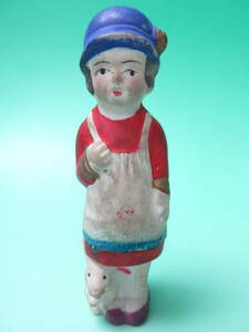 W104 ☆小さい 土人形 女の子と兎 ☆ 検)郷土玩具 時代物 民芸品 お土産 ビンテージ 昭和レトロ アンティーク 泥人形 陶器人形 豆人形