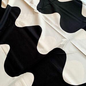 レア★新品 marimekko はぎれ プロダクト生地 lokki 白黒 ロッキ 服飾生地 洋裁 白黒 モノトーン マリメッコ