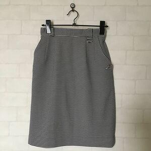 ボーダータイトスカート 収縮性あり 裏地メッシュ 日本製 M サイズくらい