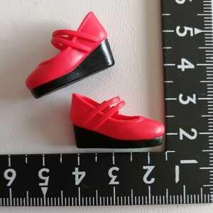 1r412 人形用 赤 ストラップパンプス ウェッジソール パンプス シューズ リカちゃん ジェニー 1/6ドール momoko ブライス