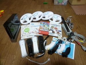 WH64【送料無料 即日配送 動作確認済】Wii すぐに4人で遊べるセット マリオカート マリオブラザーズ Wiiスポーツ
