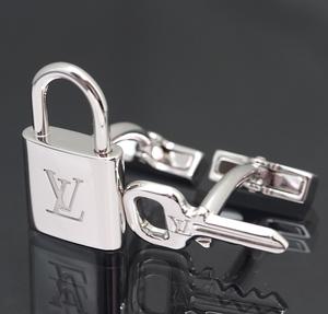 美品 ルイヴィトン カフスボタン ブトン ドゥ マンシェット カデナ エ クレ シルバー SV925 M64600