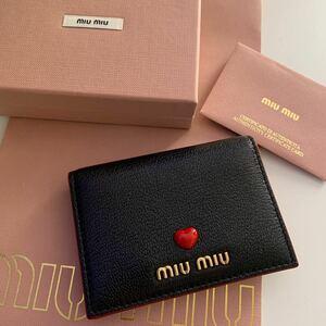 miumiu マドラスレザー カードケース