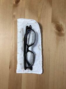 ハンドメイド マーガレット刺繍生地使用メガネケース