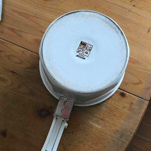 取手の取れる鍋 保温性が高く煮込みに向いています。