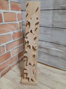 ハンドメイド 手作り ウッド 木工 子どもの知育玩具 人形落とし遊び 人形4個セット