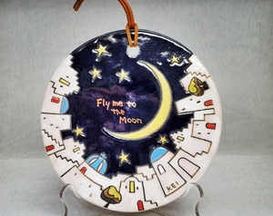 匿名配送 竹多慶 金彩 壁掛け プレート サントリーニ島 エーゲ海 月夜 星空 三日月 fly me to the moon 益子焼