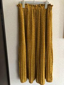 プリーツスカート 黄色ドット柄