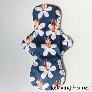 ●布ナプキン(30cm×18cm) 多い日(昼用)普通の日(夜用) 紺フラワー