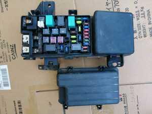 H17年5月 オデッセイ DBA-RB1-13114046 エンジンルーム ヒューズボックス