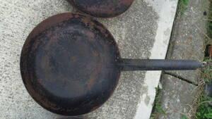 業務用 鉄 フライパン中30㎝ サイズ大小多数出品してあります。
