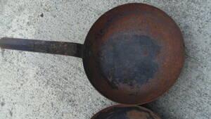 業務用 鉄 フライパン中26㎝ サイズ大小多数出品してあります。