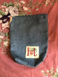 ハンドメイド 刺しゅう入り 巾着 Hのロゴ入り 手作り 約6㎝マチ入り 幅約19㎝ 縦21㎝