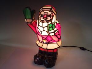 19【S.R】アンティーク調 ステンドグラス ランプ 照明 テーブルスタンド サンタクロース 幅約20×奥19×高32㎝ 香川発