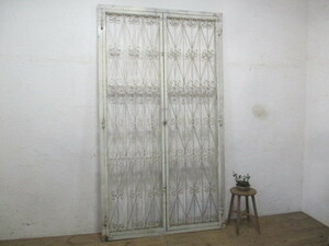 ta load M529*[H228,5cm×W127,5cm]* Vintage * double doors. wonderful old iron made iron door * fittings industry series gate P(yaF) under