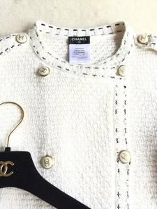 即決 極美品 CHANEL シャネル 人気 ココマークボタン、パール装飾付き ニットジャケット☆34サイズ オフホワイト