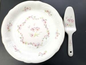 B2623 日本製 NITTO ニットー Pure&White お皿 直径約26cm プレート ケーキ皿 デザート皿 花柄 パンジー 陶器