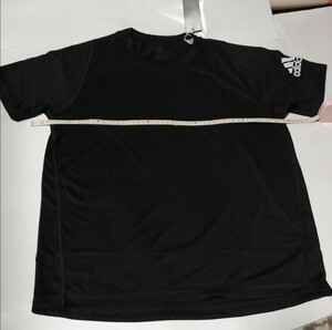 adidas Tシャツ サイズL未使用普段着トレーニングウェアジムスポーツサッカーランニング薄手Tシャツ重ね着にも未使用送料無料