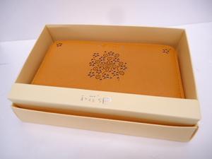 【KCM】SIF-519★新品★【和花'S】ラウンドファスナー式 長財布 桜模様 型抜き からし色 レディース