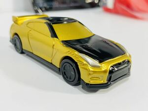 GT-R トミカ マック マクドナルド ハッピーセット ひみつのおもちゃ スカイライン NISSAN 日産 GT-R NISMO 2022年モデル ゴールド仕様 レア