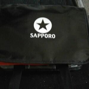 サッポロのロゴ入りクーラーバッグ