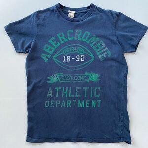 アバクロ Abercrombie&Fitch メンズ TシャツM中古裾ホツレ有り ダメージユーズドプリント加工品 ネイビー スクール風 アメカジ 女性OK