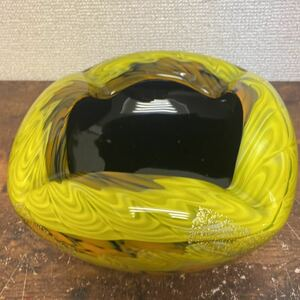 ▲伝統工芸 津軽びいどろ 厚ガラス 灰皿 黄色 金粉柄 22×9cm 中古品