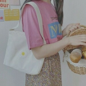 韓国  トートバッグ エコバッグ 刺繍 花 マーガレット