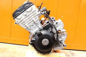 27009 GSX-R125 DL33B-1012** エンジン 本体