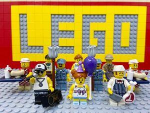 ☆住民☆ レゴ ミニフィグ 大量10体 ラッパー 肉屋 ホットドッグ屋さん 管理人 など ( LEGO 人形 ミニフィギュアシリーズ