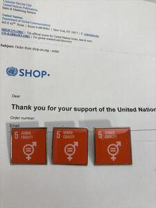 SDGsピンバッジ 3個(3080円税込)(5: ジェンダー平等の実現 ・ジェンダーイコール(国連ブックショップ購入・送料無料)(再生素材)UN33