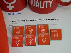 (国連ブックショップ購入・送料無料)SDGsピンバッジ 7個(6490円税込)(5: ジェンダー平等の実現 ・ジェンダーイコール(再生素材)UN69