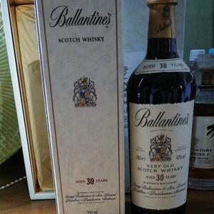 【未開栓】バランタイン30年 700ml スコッチウイスキー Ballantines 箱有り