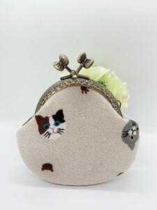 ねこ 猫 ハンドメイド 刺繍 がま口 ポーチ 小銭入れ