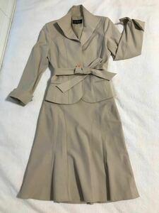 S.P.R. ストレッチ スカートスーツ ベージュ マーメイドフレアースカート ベルト付き フォーマルスーツ SPR セットアップ