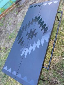 アウトドアテーブル ブラック×ブラック オルテガ柄